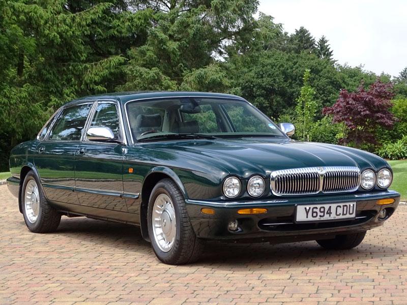 Queen Elizabeth II's 2001 Daimler Majestic 4.0 LWB