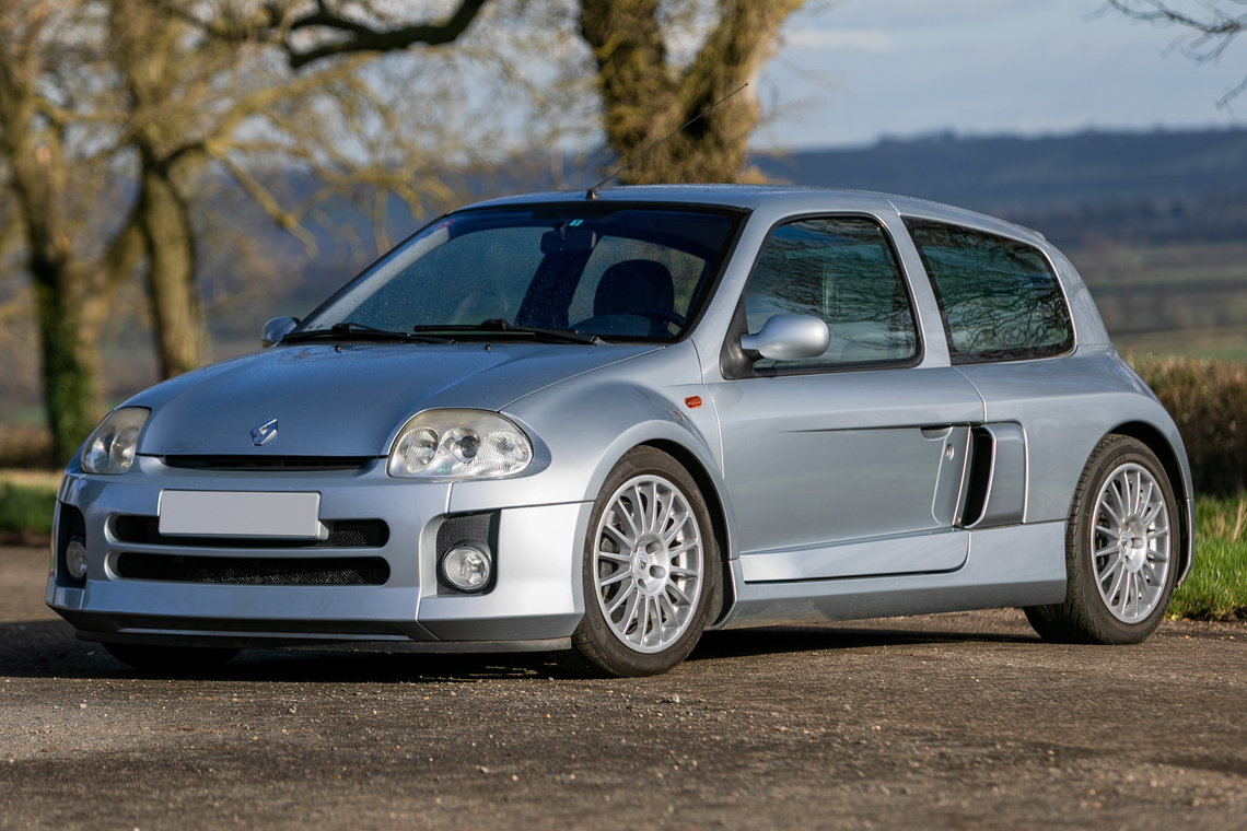 2001 Renault Clio Sport V6 sold for €24,900