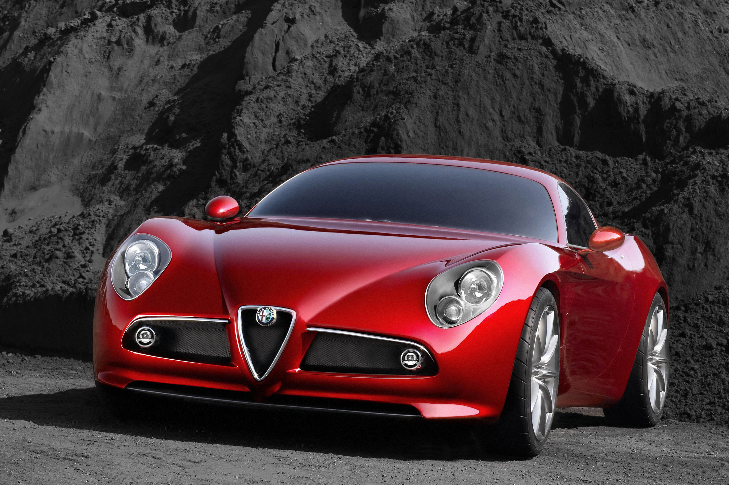 """The name contains several glorious historical references: 8C is the abbreviation that identified the winning eight-cylinder in-line cars designed by Vittorio Jano which, since the 1930s, had triumphed in the Mille Miglia and four times in succession at Le Mans, while the wording """"Competizione"""" recalls the 6C 2500 Competizione with which JM Fangio and Consalvo Sanesi disputed the Mille Miglia"""