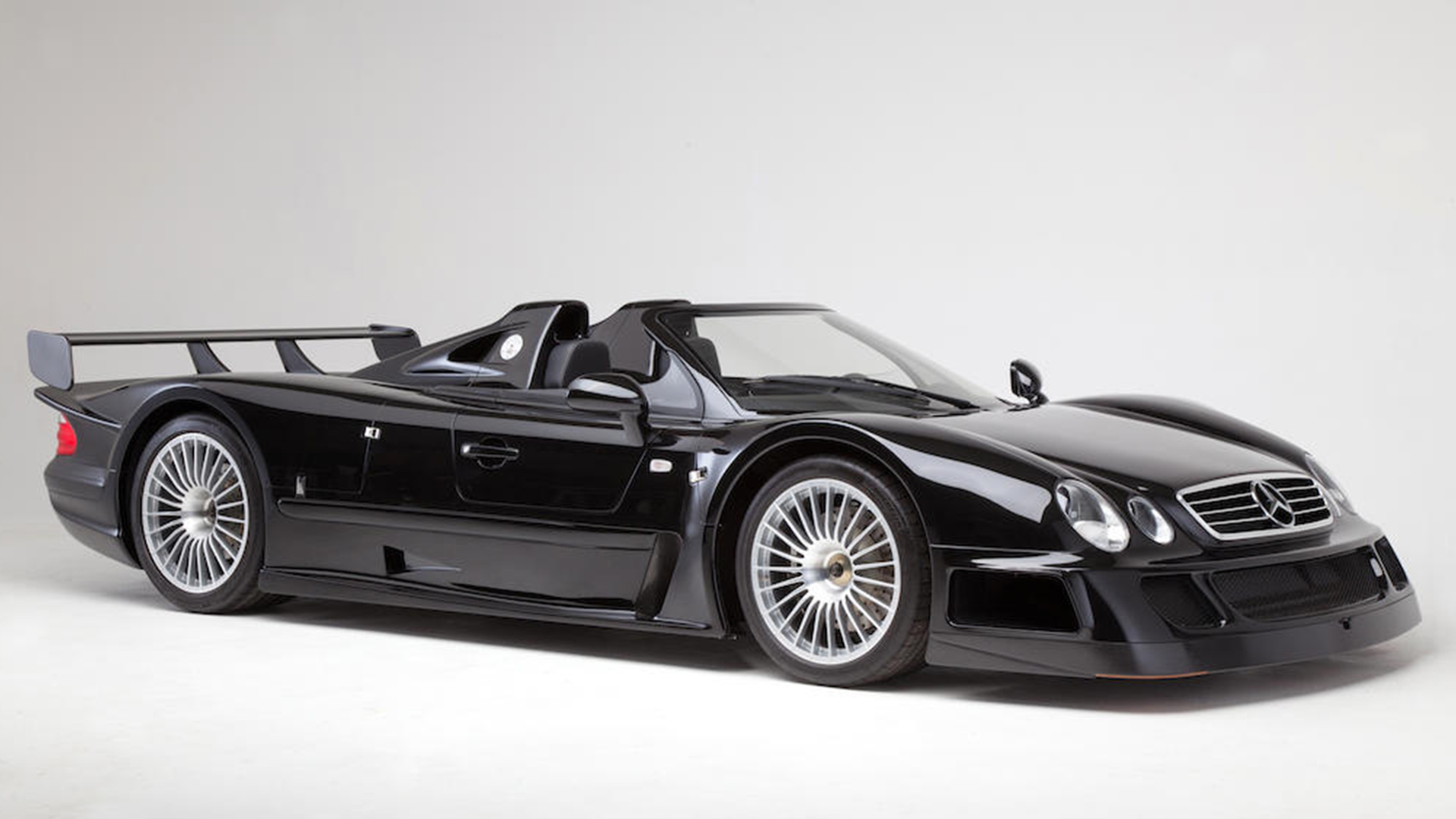 Porsche 911 Gt1 And Mercedes Benz Clk Gtr Faster At Le Mans Or At The Auctions The Classic Car Trust