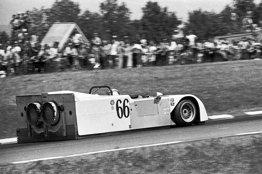 The Chaparral 2J in full race attack mode. Fast but fragile, it only managed to run in the 1970 season before regulations banned the use of mechanical extractors