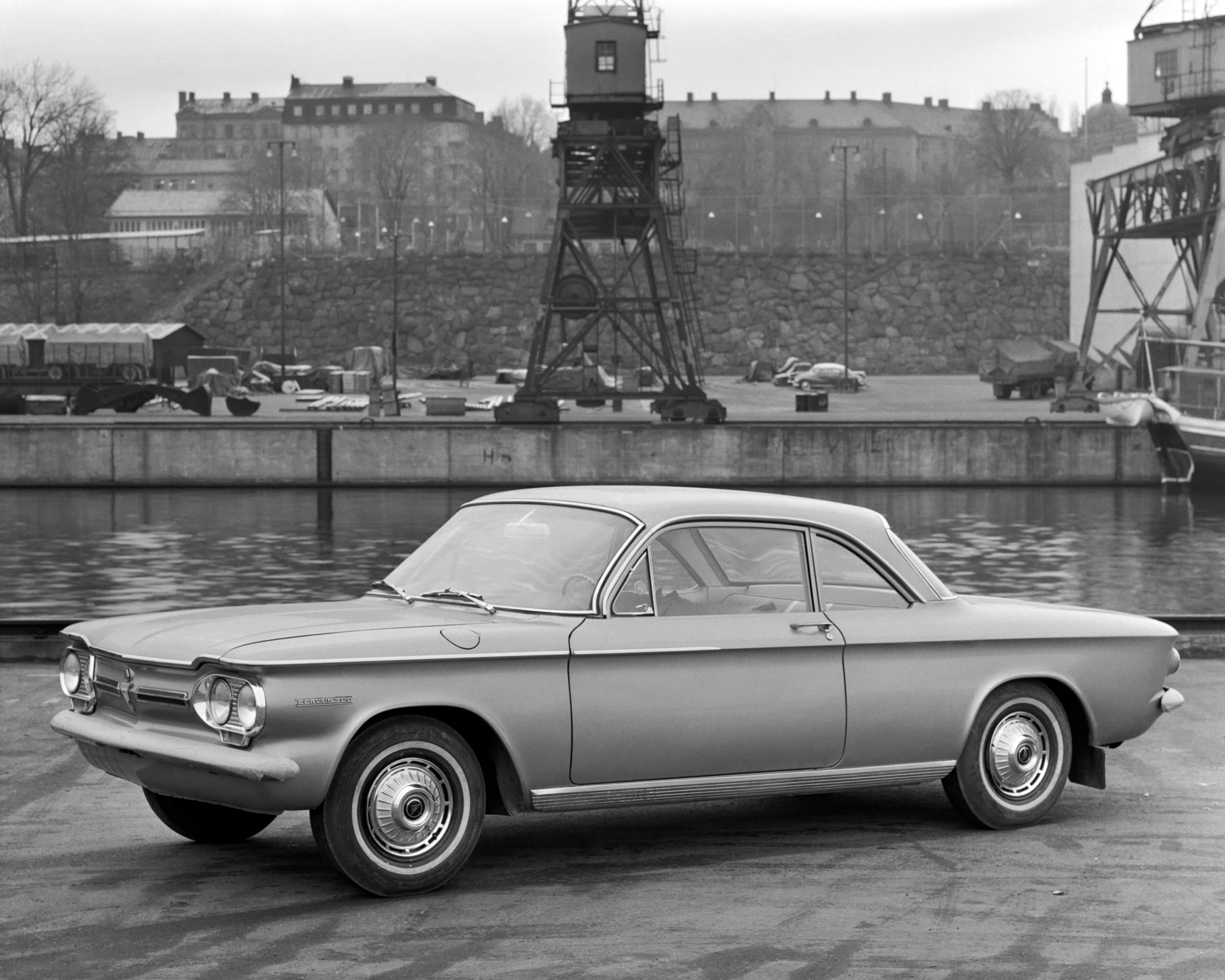 Experiments carried out to improve the roadholding of the compact Chevrolet Corvair were what first showed the advantages of using an extractor at the rear of the car