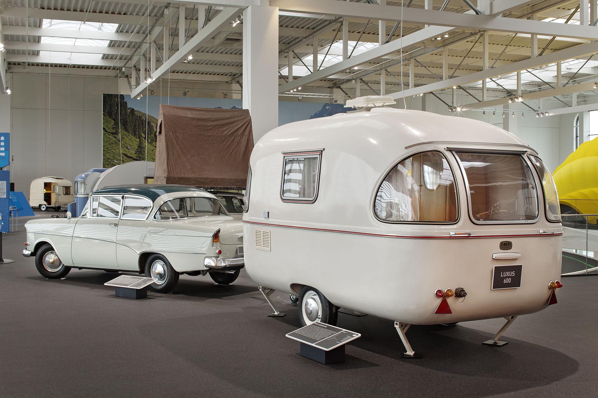 Fahti Lexus 600 caravan